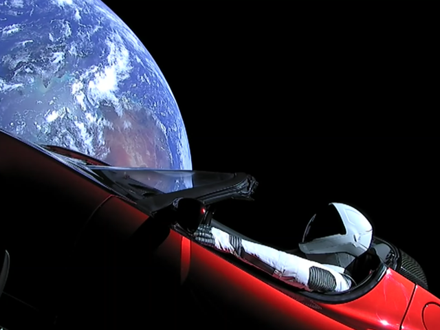 Who's Traveling to Earth to Celebrate Earth Day?