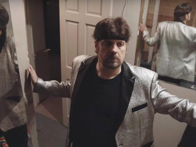 Untitled Amazing Johnathan Documentary trailer er fyldt med meth, magi og mayhem