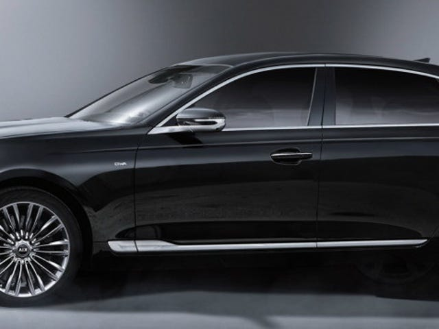 New K900 details from the brochure. Looks good, but no one will buy it