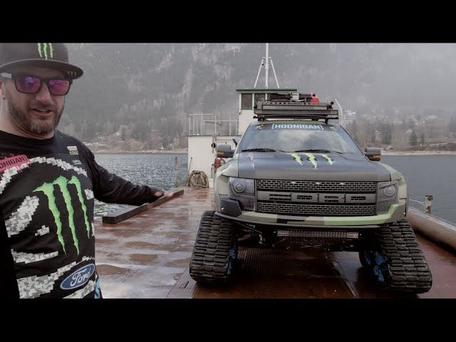 Ken Block's Snø-Slaying Off-Road RaptorTRAX ser enda kulere opp Lukk