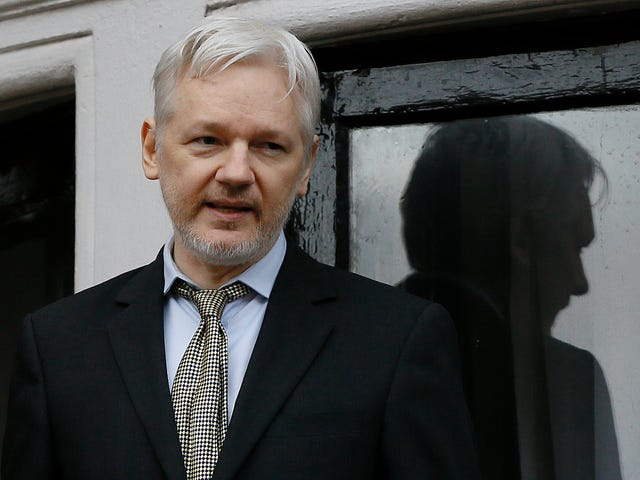 Wikileaks Served With DNC Lawsuit Over Twitter