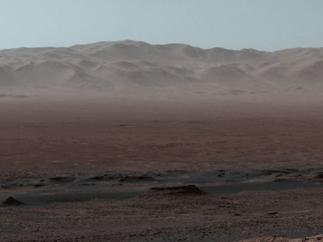 NASA's Curiosity Rover Captures Breathtaking Panorama of Martian Landscape
