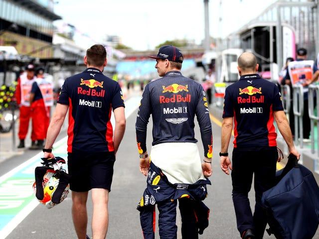 Tidak Ada yang Tahu Mengapa F1 Tidak Membatalkan Grand Prix Australia [Update: Race To Be Cancelled]