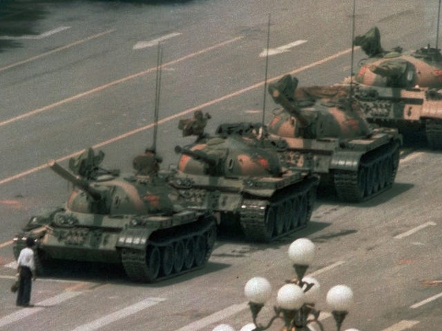 Η Κίνα απαγορεύει το λέξη «Leica» στα κοινωνικά μέσα
