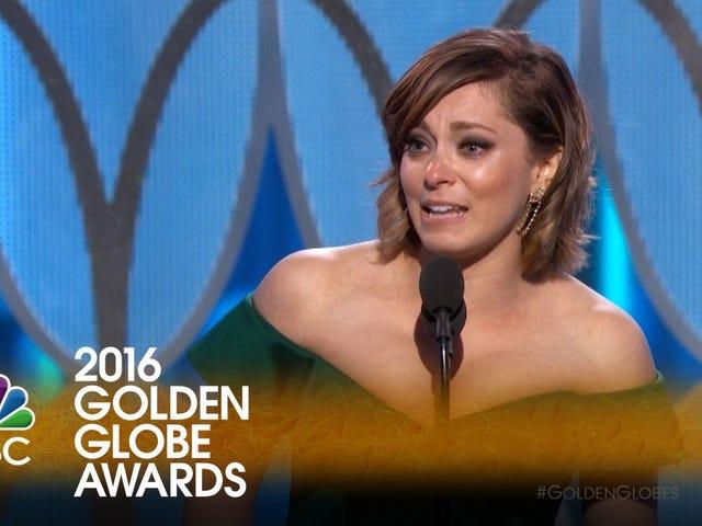 Hollywood God is Good: Crazy Ex-Girlfriend Creator Rachel Bloom Vừa giành Quả cầu vàng