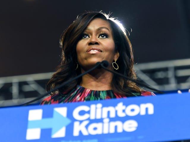 """Michelle Obama om Donald Trumps seksuelle overfald Kommentarer: """"De har rystet mig til min kerne"""""""