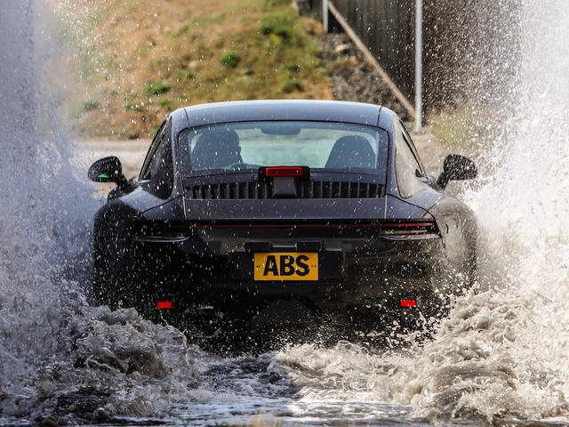 Cách thức tra tấn của Porsche thế hệ 911