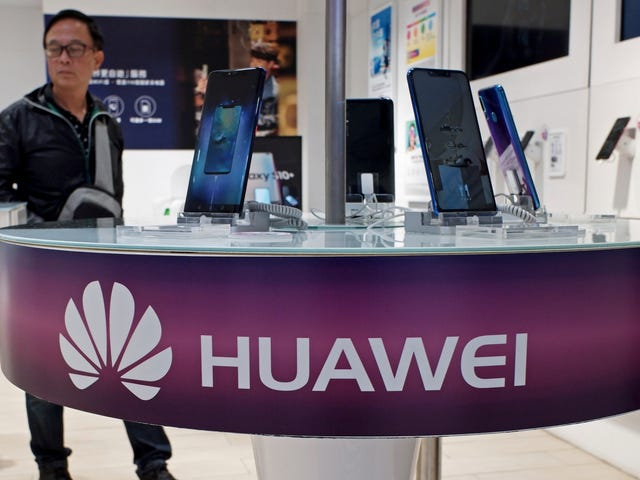 Ang Microsoft ay nag-aalis ng mga online na online na mga serbisyo ng Huawei