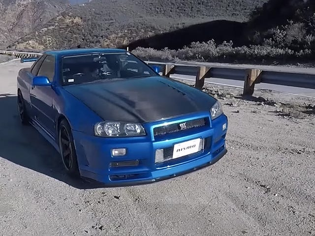 What It's Like To Drive An R34 Nissan Skyline GT-R