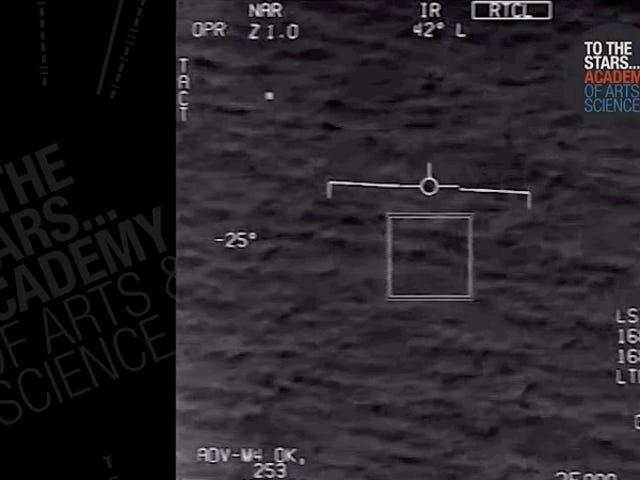 Cudzoziemcy są nadal prawdopodobnie prawdziwi, a oto kolejne UFO wideo z marynarki, aby to udowodnić