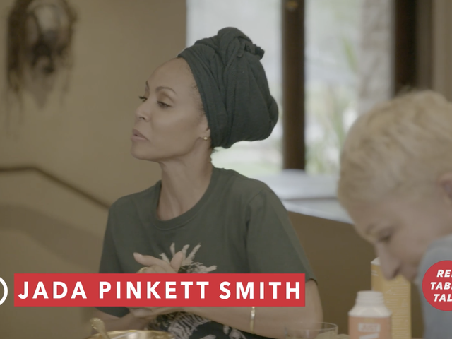 O amor abaixo: Jada Pinkett Smith e Mom Talk Vaginal Rejuvenation em Red Table Talk