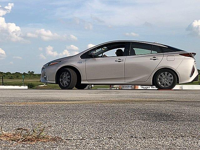 Toyota Prius Prime Bir Şey İçin Sadece İyidir