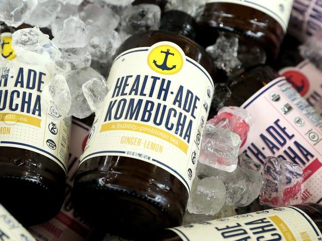 Warum sollten Sie einen Strohhalm verwenden, um Kombucha zu trinken