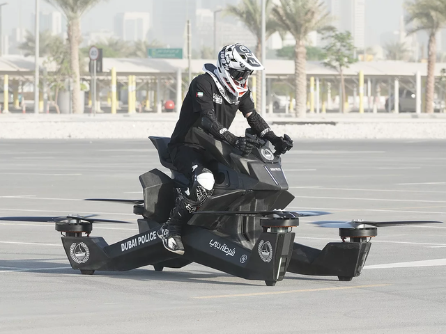 Dubai's Police Force Have Started Training on Their Drone-Like Hoverbikes
