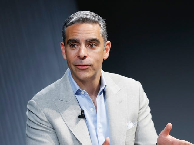 Rich Dude Feud: Facebook Exec Overshares, Calls WhatsApp Founder 'Low-Class'