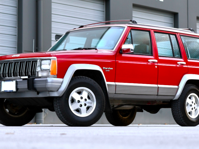 The Perfect Jeep Cherokee XJ Has Sold For $16,250