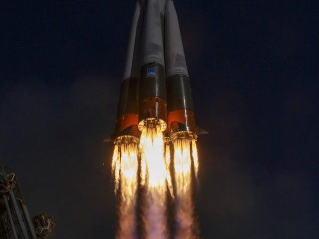 """Cómo es caer 50 kilómetros a la Tierra después de que tu cohete falle y sobrevivir al """"viaje"""", según uno de los astronautas de la Soyuz"""