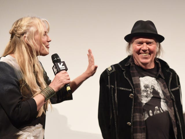 Neil Young Confirms That He and Daryl Hannah Are Wed, Reminds Us to Vote