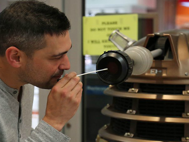 <i>Doctor Who</i> Dalek Adakah Membantu Membasmi Superbugs Tahan Antibiotik