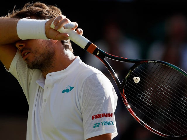 Unseeded Daniil Medvedev yllättää Stan Wawrinkan ensimmäisessä Wimbledonin ottelussa