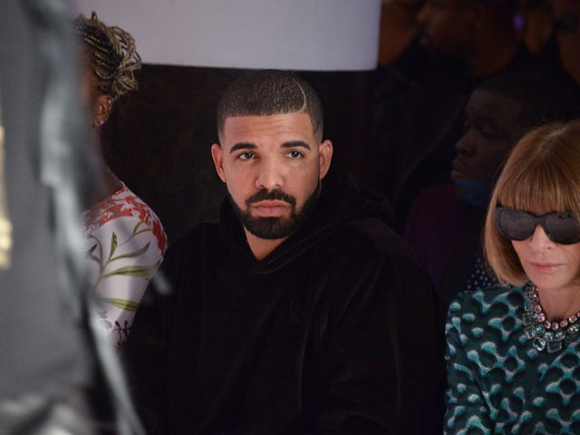 Drake Dropping a Press Release During a Rap Battle Is the Whitest Thing That Ever Happened This Week