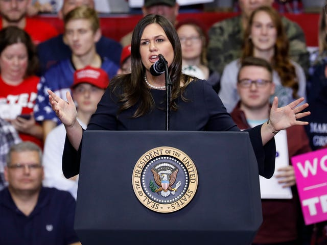 Sarah Huckabee Sanders wird als der schlechteste Pressesprecher des Weißen Hauses bezeichnet
