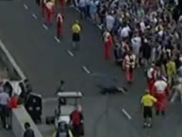 Poging om over de baan te rennen bij Indy 500 gaat slecht