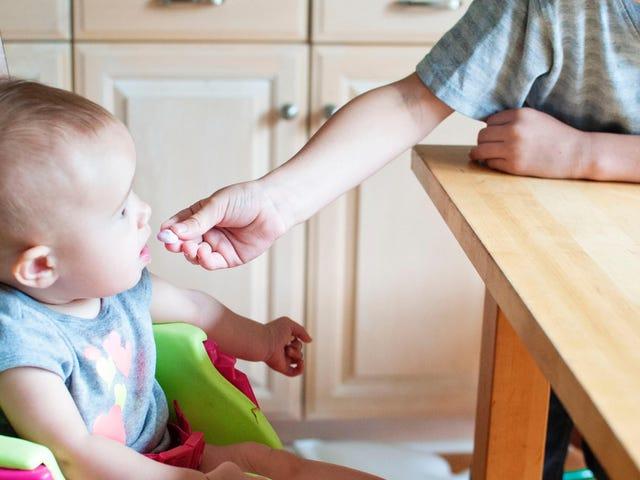 Le nuove linee guida AAP per presentare il tuo bambino agli allergeni alimentari