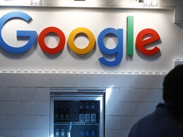 """<a href=https://news.avclub.com/big-google-outage-shuts-down-youtube-gmail-snapchat-1835188584&xid=17259,15700023,15700186,15700190,15700256,15700259 data-id="""""""" onclick=""""window.ga('send', 'event', 'Permalink page click', 'Permalink page click - post header', 'standard');"""">대규모 Google 중단으로 일부 YouTube, YouTube, Gmail, Snapchat 및 기타 서비스가 종료됩니다.</a>"""
