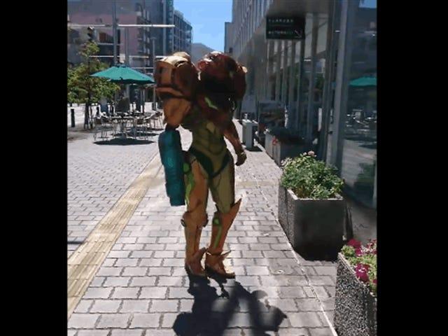 Metroid Cosplay ब्लोइंग सॉक्स बंद है