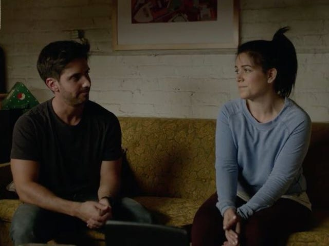 """<a href=https://tv.avclub.com/on-broad-city-abbi-s-lie-stands-out-1798187195&xid=17259,15700022,15700186,15700190,15700256,15700259,15700262 data-id="""""""" onclick=""""window.ga('send', 'event', 'Permalink page click', 'Permalink page click - post header', 'standard');"""">在<i>Broad City</i> ,阿比的谎言脱颖而出</a>"""