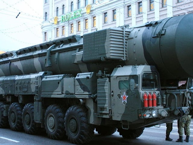 Científicosrosusquieren disparar un misil nuclear an un asteroide enelaño2036