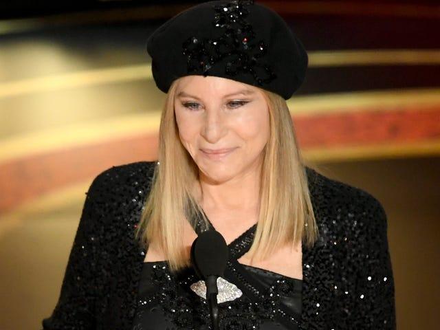 """Barbra Streisand jatkaa Bait Trumpin lähettämistä """"Lähetä klovneilla""""-parodiassa"""
