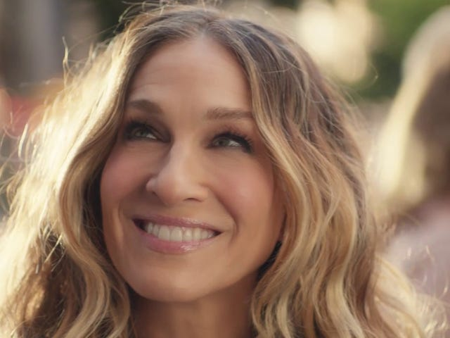 Sarah Jessica Parker recreatesSex And The City's opening credits for charity ad campaign
