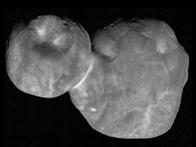Sonunda Dış Güneş Sistemindeki Garip, Düz Kaya MU69 hakkında daha fazla şey öğreniyoruz.