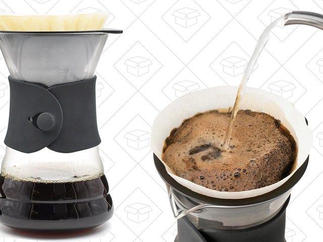 Η ελκυστική χαρά του Hario πάνω από τον καφετιέρα είναι μόλις $ 11, αν βιάζεστε