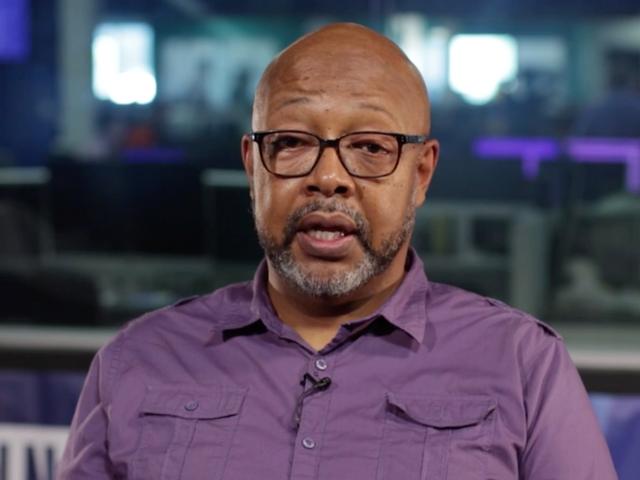 Seorang Pulitzer Prize-Winning Columnist telah 'Swatted' tetapi Survived.  Inilah Apa yang Dia Katakan Mengenai Itu