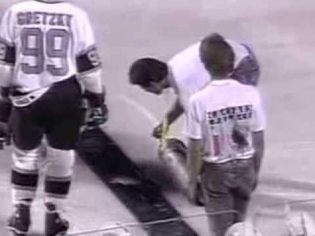 La rareza del primer juego moderno al aire libre de la NHL