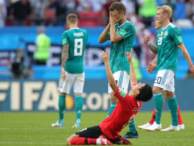 South Korea Pumatay sa Alemanya At Tinatanggal ang Dead Body Out Of The World Cup
