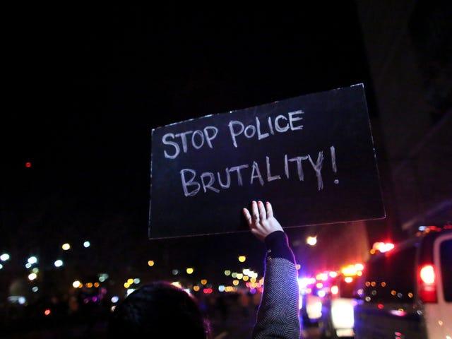 경찰은 젊은이들, 특히 피부색의 사망 원인의 주요 원인입니다