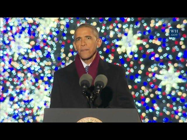 ओबमास की आखिरी क्रिसमस ट्री लाइटिंग देखें और अगले साल के बारे में सोचने की कोशिश न करें