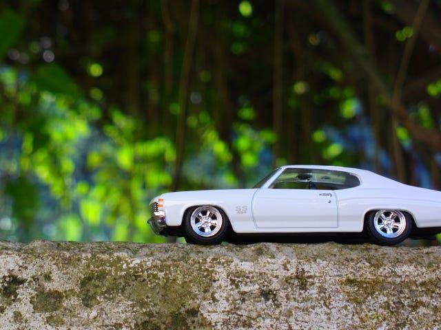 LaLD car week - The sleek white SS