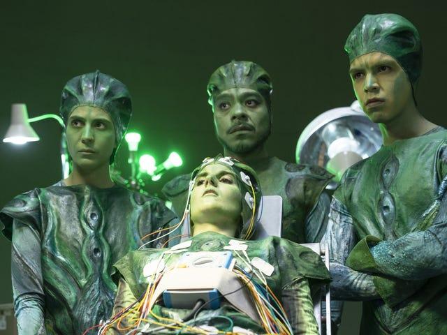 Los Espookysは偽のホラー、本当の奇妙さの第2シーズンのためにリニューアルしました