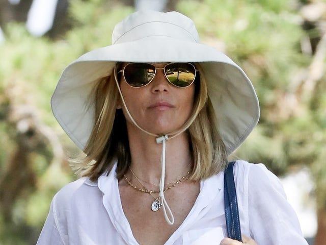 Good Crime Hat, Aunt Becky