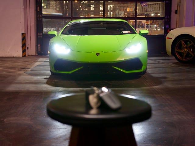 2016 Lamborghini Huracán Arrivée