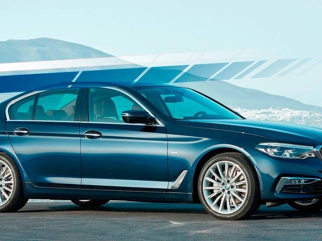 BMW afslører high-tech nye 5-serie som luksuskrig med Mercedes Escalates