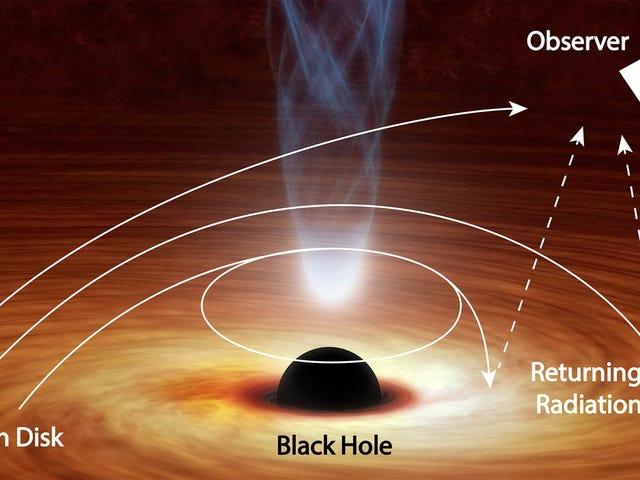 Este agujero negro está doblando la luz hacia sí mismo