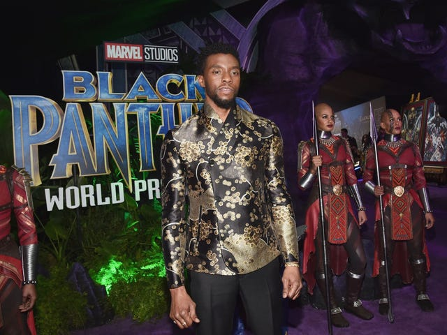 A Spoiler-Free Review of Black Panther With No Plot Points or Facts in Roughly 250 Words