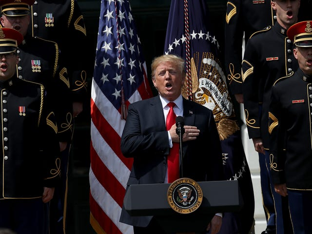 The Patriotic President From Patriotism-ville Doesn't Know the Words to 'God Bless America'