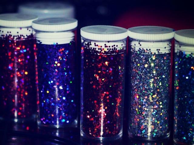 Pomóż zdenerwowanemu nastolatkowi dzięki tej technice Glitter Jar